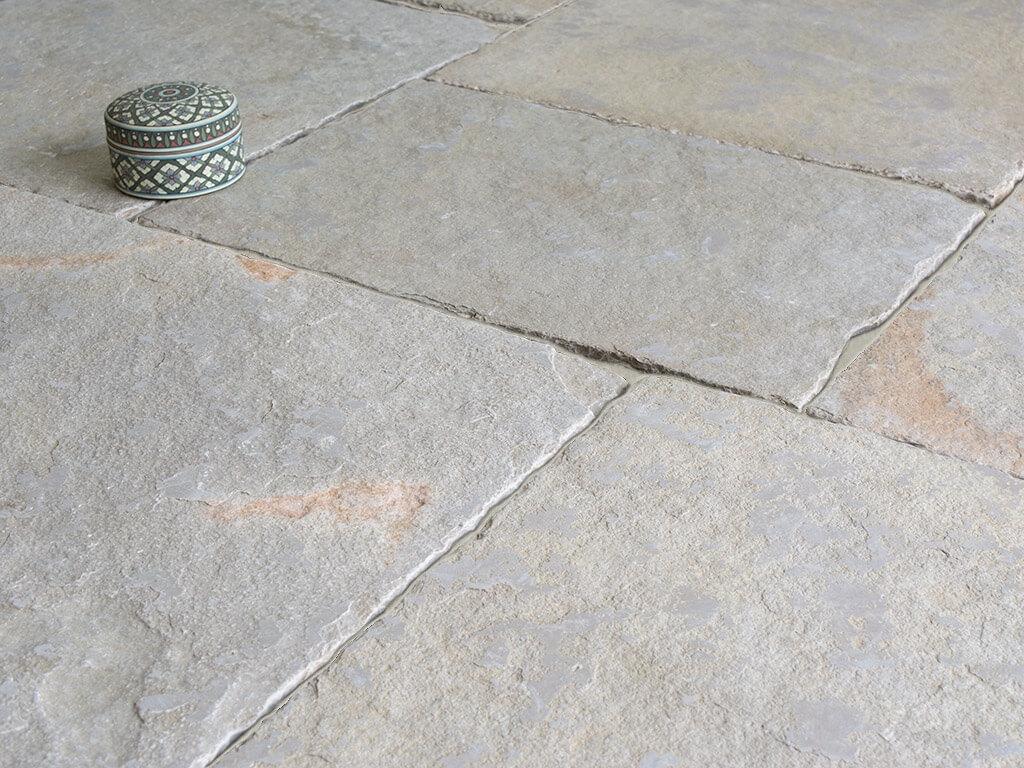 Vaux Limestone - Distressed & Tumbled