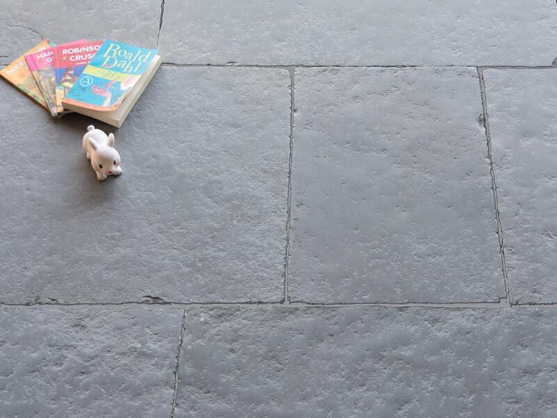 Romagne Grey Limestone - Rustic